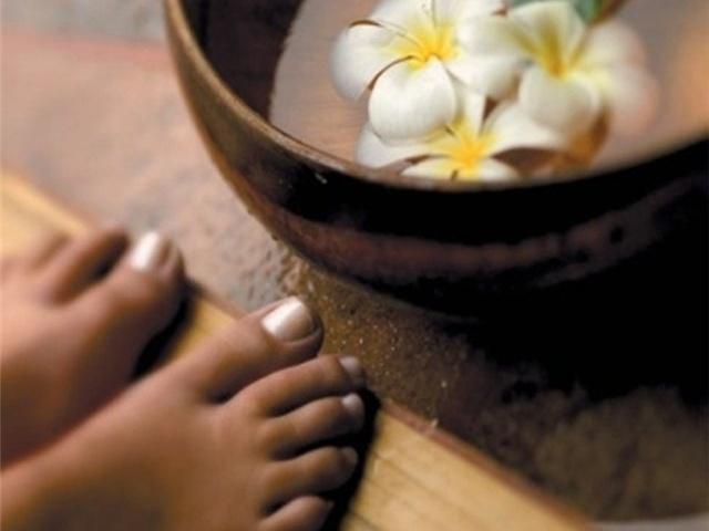 Травяная ванна и массаж ступней