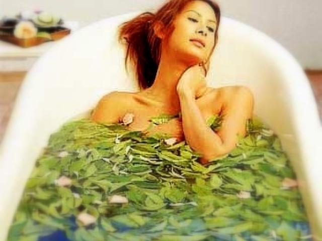 Ванна с целебными травами